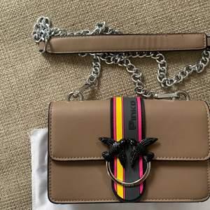 Söt väska från Pinko, aldrig använd💞💞
