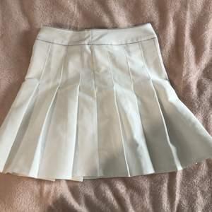 Jag säljer min tennis kjol då den inte kommer till användning. Köpte den från shein