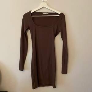 Klänning från pullandbear, passar s/m 🤎 100kr inklusive frakt!