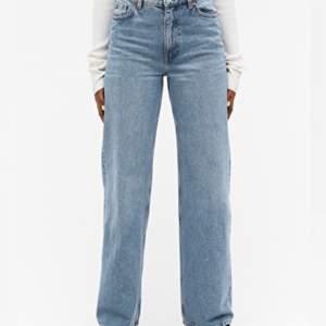 Säljer mina monki jeans i modellen Yoko🌸 Väl använda men fortfarande väldigt bra skick💕 Köpare står för frakt