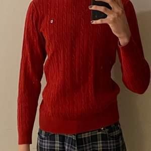 Bondelid stickad tröja i bra skick, knappt använd men är något år gammalt pågrund av att den inte passar mig! Mer info finns privat om man undrar något!