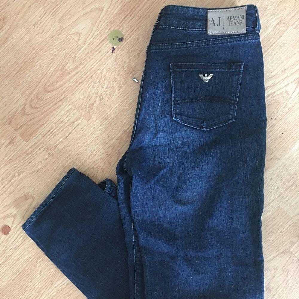 Jeans i nyskick stl 30/34 . Jeans & Byxor.