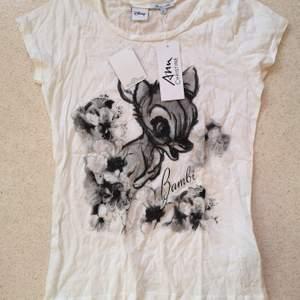 Fin helt ny och oanvänd tshirt på Disneys Bambi!