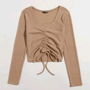 En fin tröja från shein, den är super skön men är tyvärr för liten för mig!