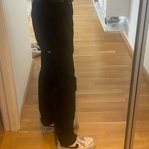 New black dickes cargo pants used one time reason didn't fit me W30/L32 original price on ASOS 685kr