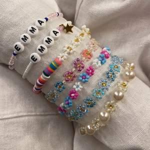 Superfina handgjorda pärlarmband 😆 gjorda av elastisk tråd och vissa har även lås som man kan få förlängningskedja till! 🤍 Går att designa eget om man så vill! 🏄🏽  FÖRSTA BILDEN: 60kr, ANDRA BILDEN: 30kr, TREDJE BILDEN: 45kr, 12kr frakt 🙌🏼  kolla gärna in mina andra annonser för fler smycken och följ gärna min smyckes insta: emmaaprilias 🥰