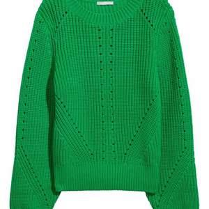 så fin grön stickad tröja, strl S och perfekt till sommaren över en klänning t.ex😍😍 frakt står köparen för 🚚