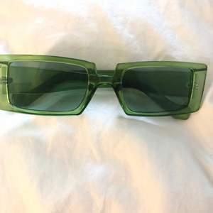 Skitsnygga glasögon! Köpta på secondhand!!! Säljer för dem inte kommer till användning💚skicka ett meddelande vid frågor💚