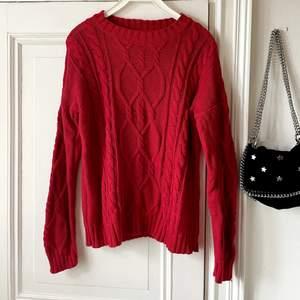 Röd varm stickat tröja i bra skick! I storlek Xs! ❤️