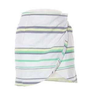 Super söt liten omlott kjol från & other stories!😫 storlek: 34!💞