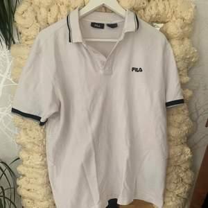 Söt oversized fila tröja, är storlek L, köparen står för frakt