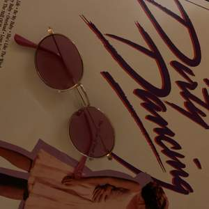 jättesöta och trendiga solglasögon. använd sparsamt förra sommaren!