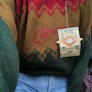 Stickad tröja från Clifton som är helt oanvänd:)