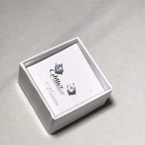 Nya örhängen från glitter ✨ kontakta vid intresse & frågor, kostar 50kr🤩