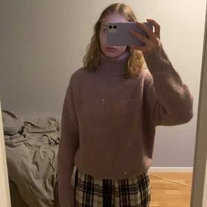 Stickad tröja från zara, aldrig använd med prislapp kvar