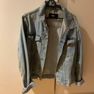 jeans jacka köpt på Bikbok storlek L