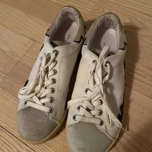 Super coola isabel marant sneakers,