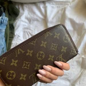 Säljer denna plånboken (kopia)