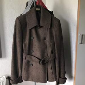 Zara jackan som ny storlek xl liten i storlek som en m 460kr med frakt