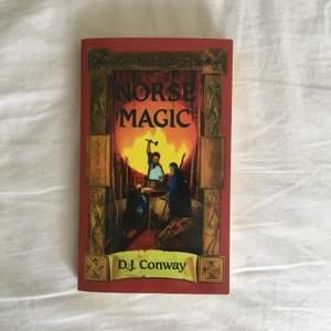 Säljer min bok Norse Magic som handlar om nordisk magick, ritualer, runor och dra magisk kraft från den nordiska mytologin! Ganska liten bok i pocketform så lätt att ha med sig. Passar dig som gillar nordisk mytologi andlighet, wicca, witchcraft och spellcasting. Väldigt bra skick då jag endast har tittat i den och inte har läst den då jag tappat intresset för det den handlar om. Möts helst upp i Stockholm för att slippa strul med frakt!