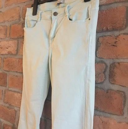 ZARA mint cotton jeans. Super comfy and elastic. Excellent condition Size 38  Pick up available in Kungsholmen  Please check out my other items! :) . Jeans & Byxor.