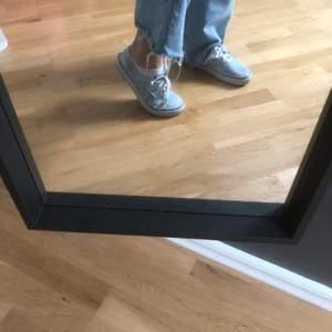 Moln mönstrade vans sneakers, använd ganska många gånger, buda gärna!