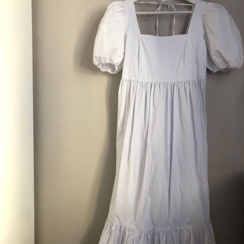 Magisk långklänning med puffärm. Använd en gång. Högsta bud 400kr💕. Klänningar.