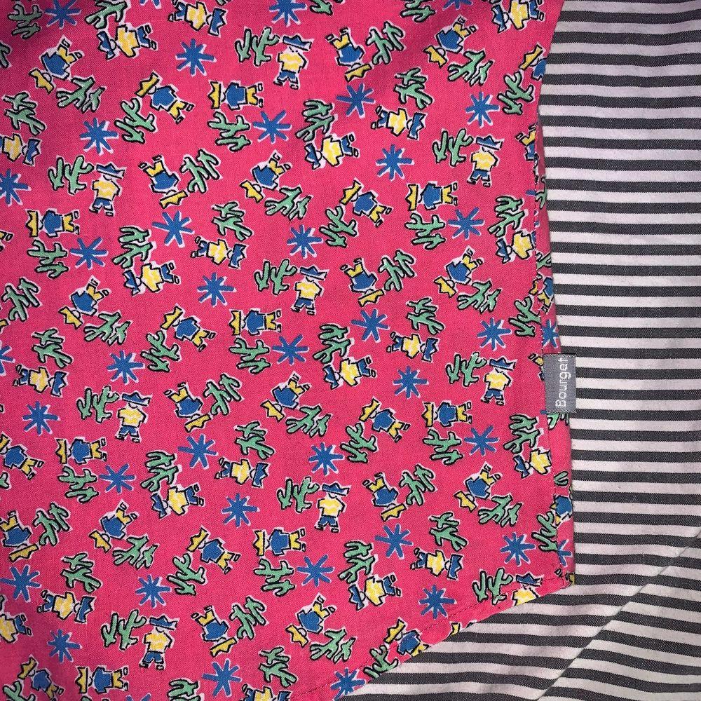 Croppad skjorta, 80's vibe. Köpt på myrornas men inte använd. Står ej storlek men skulle gissa på M  🎞. Skjortor.