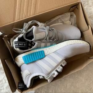 Sneakers som inte finns att köpa längre, knappt använda (se sulan) strl 37. Budgivning om fler är intresserade, köp direkt 700kr