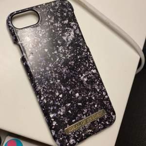 Skal till iPhone 8. Säljes då jag har ny mobil.