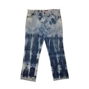 Vintage bleached jeans denim i skick 7/10 (vintage), frakt tillkommer, pris kan diskuteras, betalning sker via swish, hör av er vid frågor & intresse.