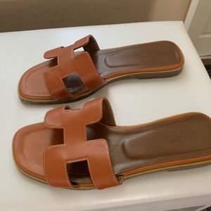 Super fina Hermes sandaler- Ej original. Äkta läder
