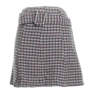 superfin rutig kjol med bälte från Zara! ääälskar denna men den är för liten för mig. storlek XS. nyskick.