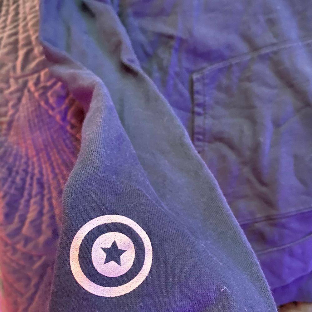 Bape hoodie köpt 2019, cond 9/10. Huvtröjor & Träningströjor.