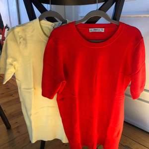 En gul och en röd tröja från zara - nypris ca 200 kr st  Röd - storlek m Gul- storlek s