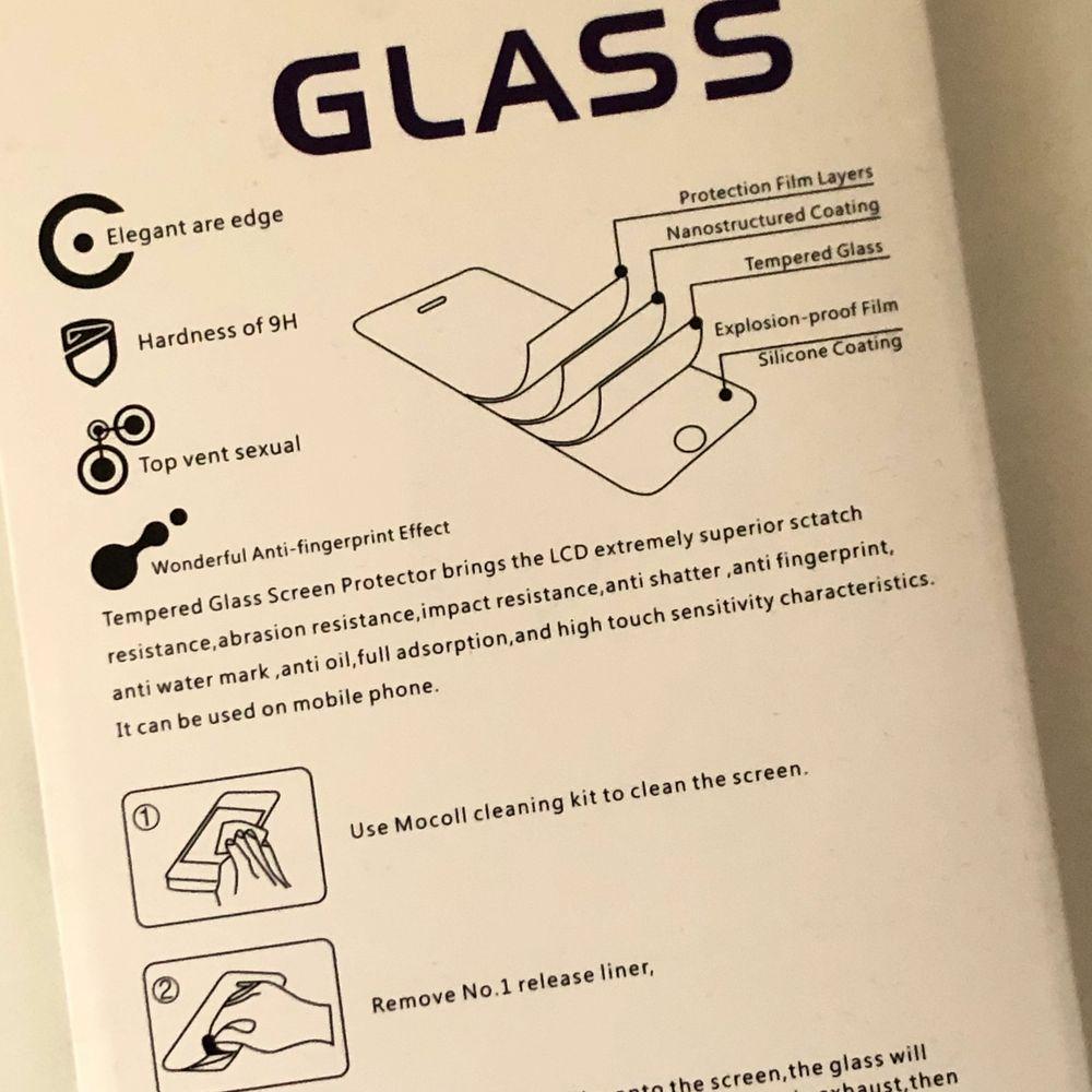 ett skyddsglas som passar till iPhone 6/ iPhone 6s/ iPhone 7/ iPhone 8 plus 💓 fraktar. . Övrigt.
