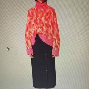 Söker denna stickade tröja från Marlene Birger!
