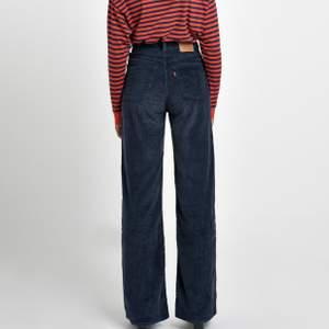 Säljer mina super fina levis byxor som är i Manchester! Är aldrig använda och är köpta i usa. Köpt för 160$ vilket motsvarar ca 1 500kr. (Buda) högst budet ligger på 1000kr