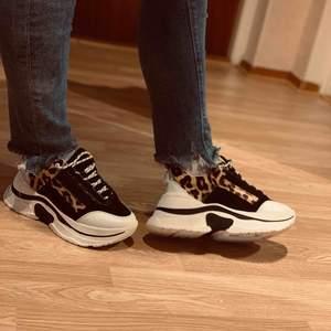 SÖKER desssa skor från topshop i storlek 37!!!!!