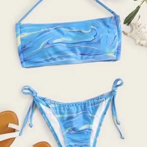 En helt oanvänd bikini från shein som tyvärr är för liten för mig! Frakt tillkommer ✨ Startar en budgivning om många är intresserade!