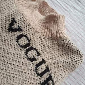 Fin VOUGE tröja, i storlek onezise men är som xs-s! Använd sparsamt. Bjuder på frakten! 💋