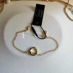 Oanvänd armband från SNÖ. Ordinariepris: 299kr.❗ HAR fler smycken från SNÖ i profilen❤️