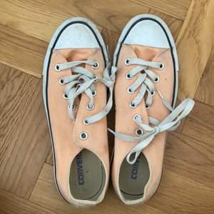 Snygga skor som är för små