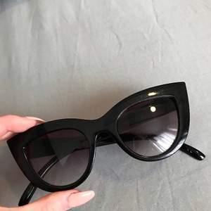 Snygga solglasögon