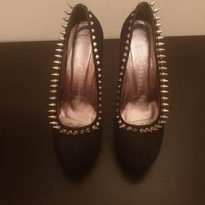 Black sexy, rock, Shoes, Heel 12, Very comfortable and sexy, For a special occasion.   Bought in Italy a year ago but almost never worn. Number of shoes: 39