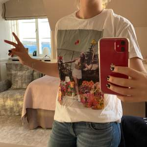 T-shirt från zara som använts en gång. Pris + frakt 🎾