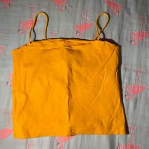Super fina linne med storlek m från ginatricot. Har använt de tre gånger Max. Kostar 30/styck