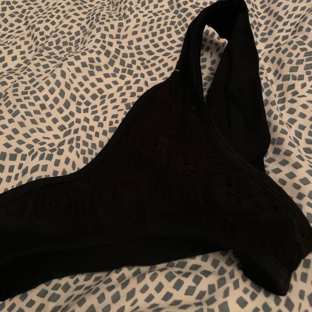 Ett par bikini trosor köpt ifrån new yorker! De är endast testade! ☺️. Övrigt.