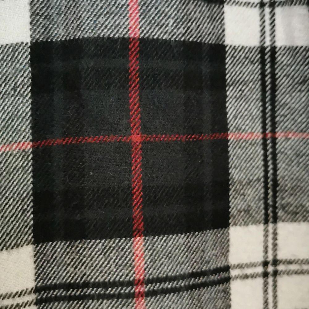 Grönrutig flanell från asos, longline, kort krage. . Skjortor.