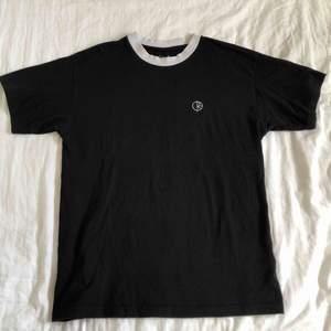 Sparsamt använd T-shirt från Polar Skate Co. Frakt tillkommer🙏🏻🙏🏻